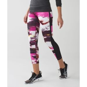Lululemon luxtreme pace tight berry rumble size 4